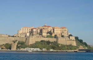 Scoprire le Bellezze della Corsica Isola del Mediterraneo